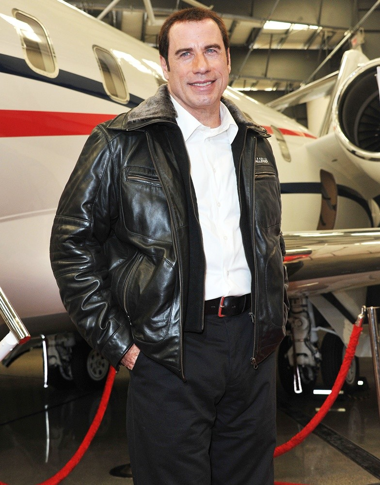 john-travolta-bombardier-hollywood-private-jet-showcase-01